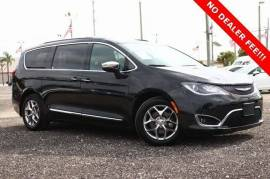2017 Chrysler Pacifica Limited FWD - $22,899