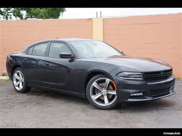 2018 Dodge Charger R/T RWD - $23,874