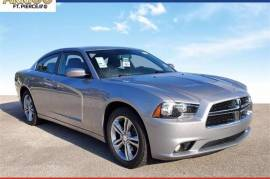 2014 Dodge Charger SXT AWD - $12,993