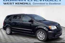 2015 Chrysler Town & Country Touring FWD - $12