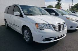 2016 Chrysler Town & Country Touring FWD - $9,